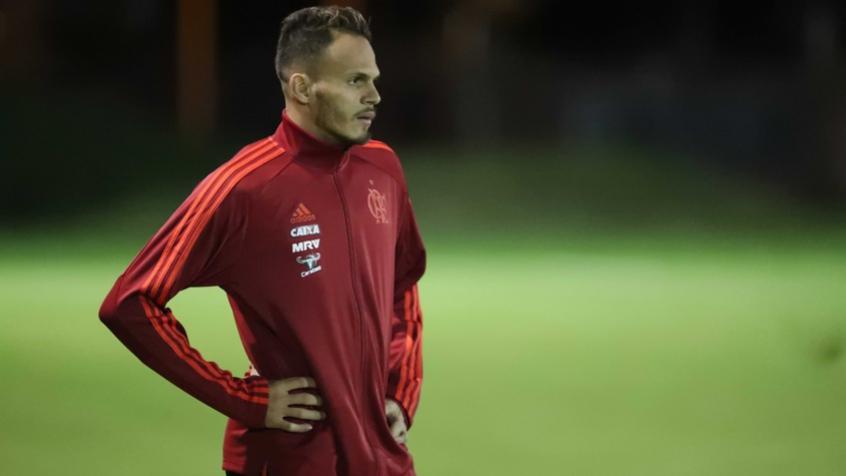 Flamengo Vai Ao Mercado De Olho Em Um Novo Lateral Esquerdo