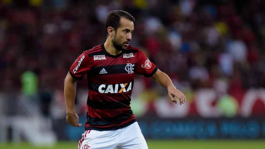 5d519df32f Everton Ribeiro avalia empate como  muito ruim  e Lomba critica ...