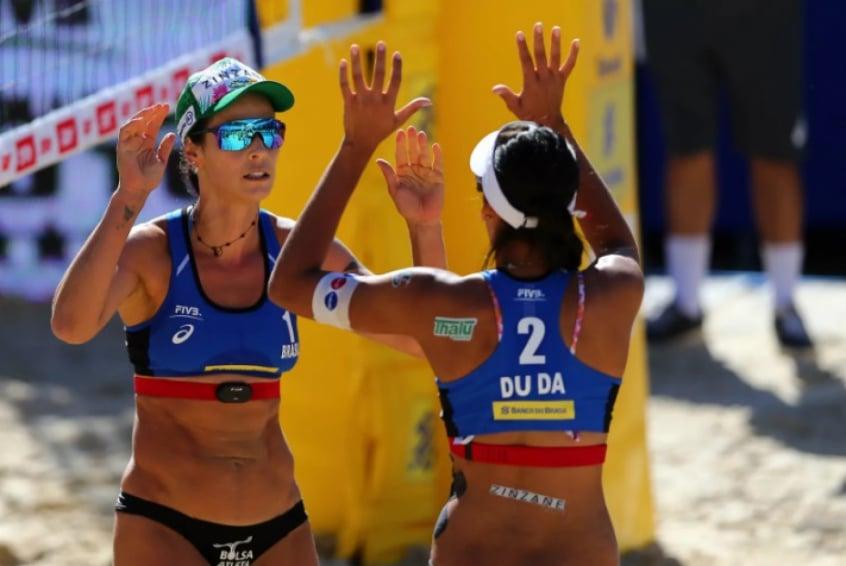 Pelo feminino, Ágatha e Duda venceram a etapa de Itapema e conquistaram o segundo troféu do Circuito Mundial