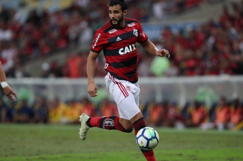 Suspenso, Henrique Dourado desfalca o Flamengo contra o Bahia