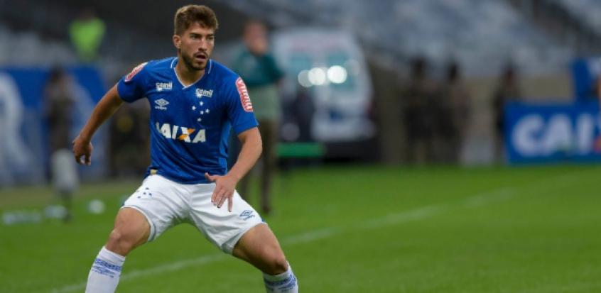 Lucas Silva quebra o silêncio e não entende estar na reserva do Cruzeiro
