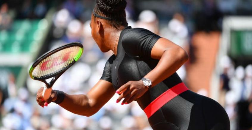 1ea2b7e3c Serena afirma se sentir guerreira em sua roupa peculiar em Roland ...