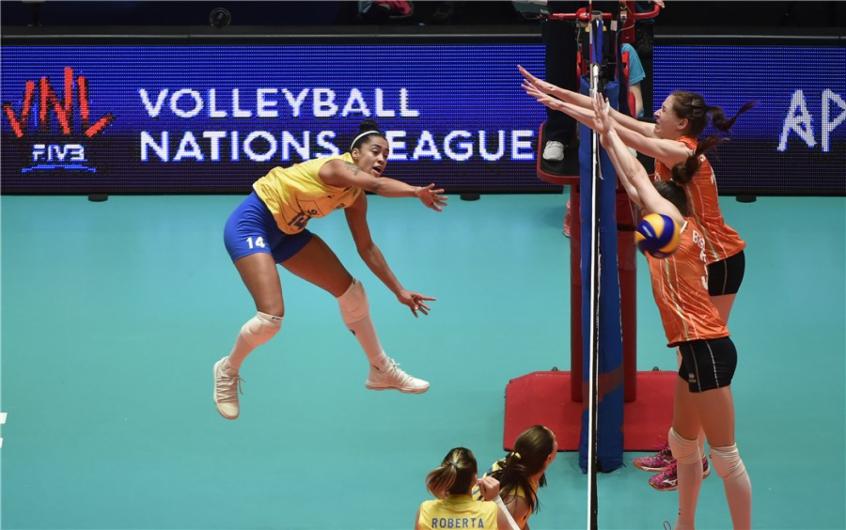 Brasil x Holanda na Liga das Nações (Foto: FIVB)
