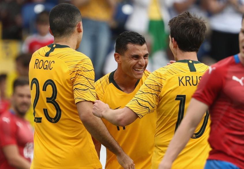 Austrália 4 x 0 Rep. Tcheca. Australianos não tiveram dificuldades para  bater a ... 1e45908b4a052