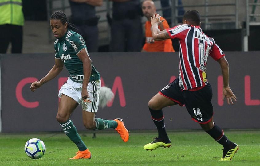 Só sai Tchê Tchê  Quem mais chama a atenção do mercado no Palmeiras ... bb1d0c3232861