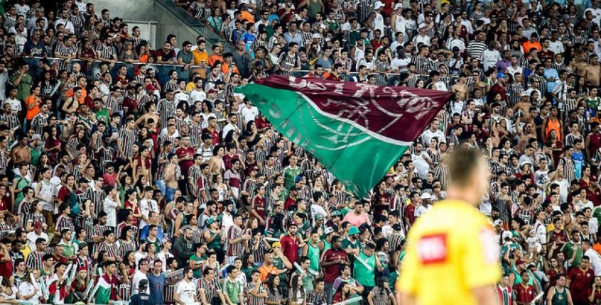 Torcida do Fluminense no Maracanã, em duelo contra o Santos
