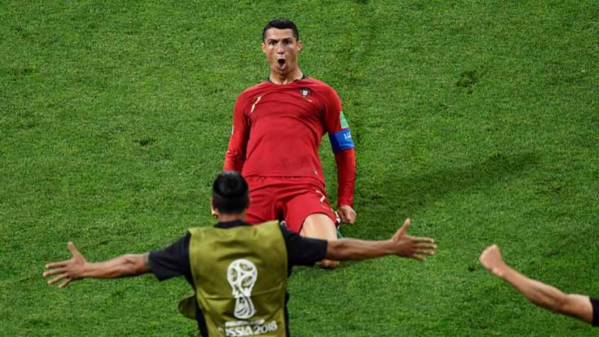 Seleção portuguesa já admite  luta para Cristiano Ronaldo decidir ... 55f06b65a8b92