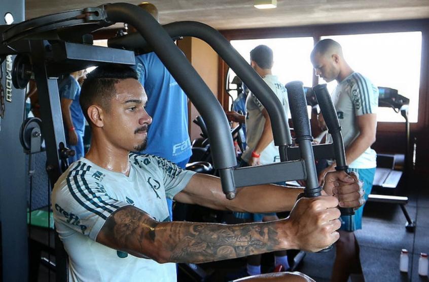 Antônio Carlos abdica de folgas e treina durante a pausa no Palmeiras