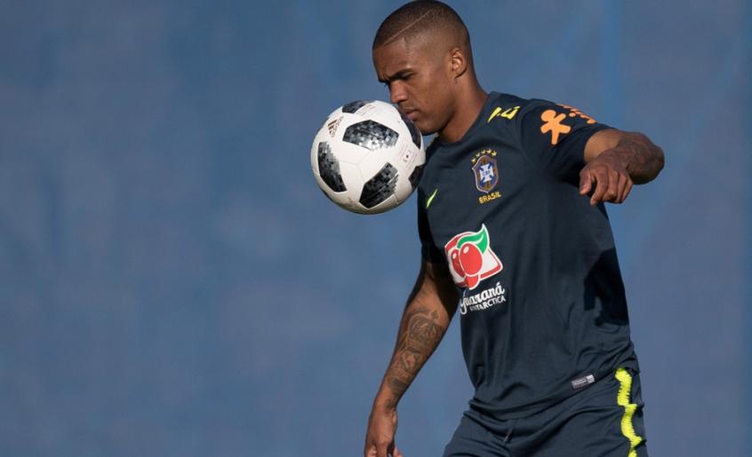 Douglas Costa - Seleção Brasileira 5221ee07cc926