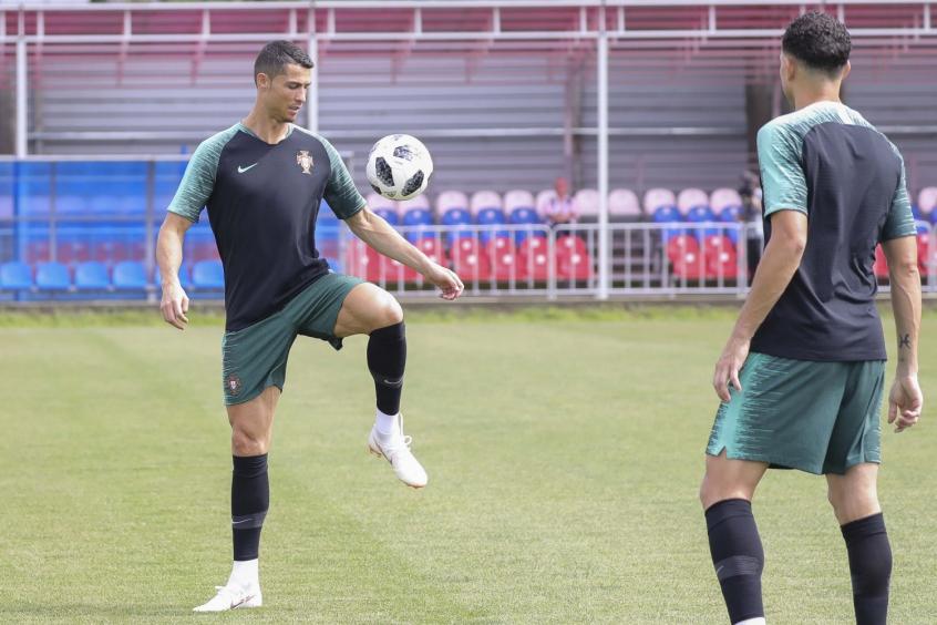 Cristiano Ronaldo já fez gol em Copa sobre o adversário desta segunda-feira  e tem 8ab6defe67633