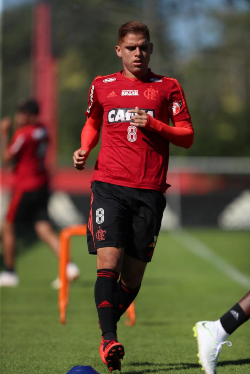 65ed4ef0e2 Cuéllar volta ao time titular do Flamengo no clássico contra o Botafogo  (Foto  Gilvan de Souza Flamengo)