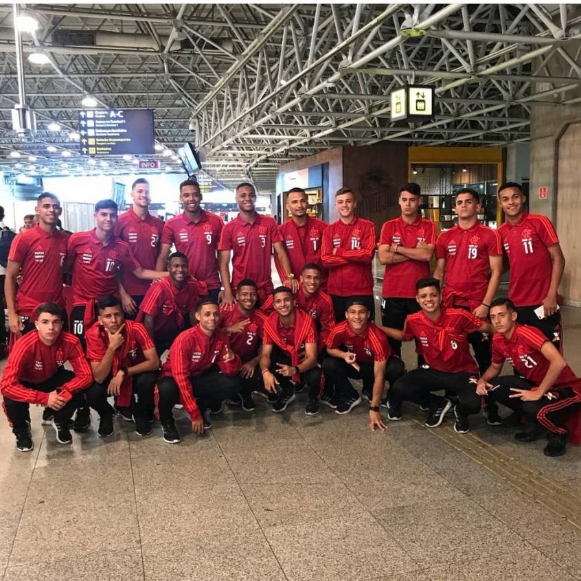 Equipe Sub-17 do Flamengo embarca para a China