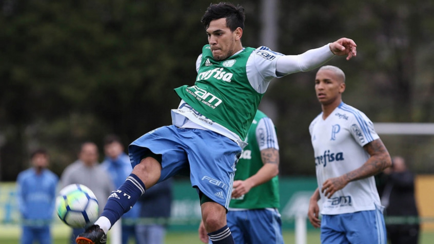 Gustavo Gómez se consolida na zaga e abre disputa na defesa do ... 0acac4bf4df1f
