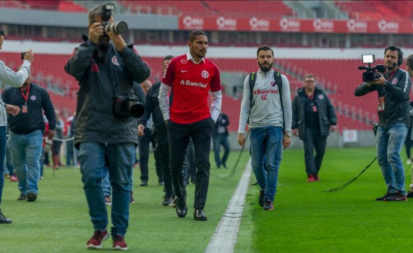 FIFA confirma retomada da punição ao atacante Paolo Guerrero  4832030e377