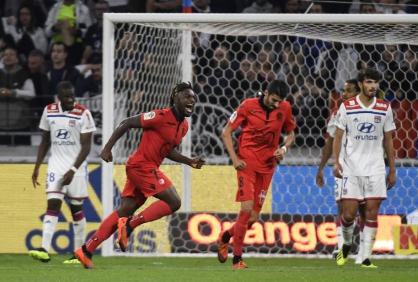 51182cf589 Goleiro se destaca e ajuda Nice a vencer Lyon no Campeonato Francês ...