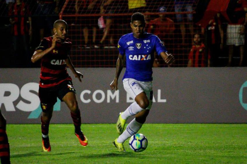 793a4353929d3 O Cruzeiro tentou colocar Raniel em uma negociação para ter Bruno Henrique  na Toca da Raposa