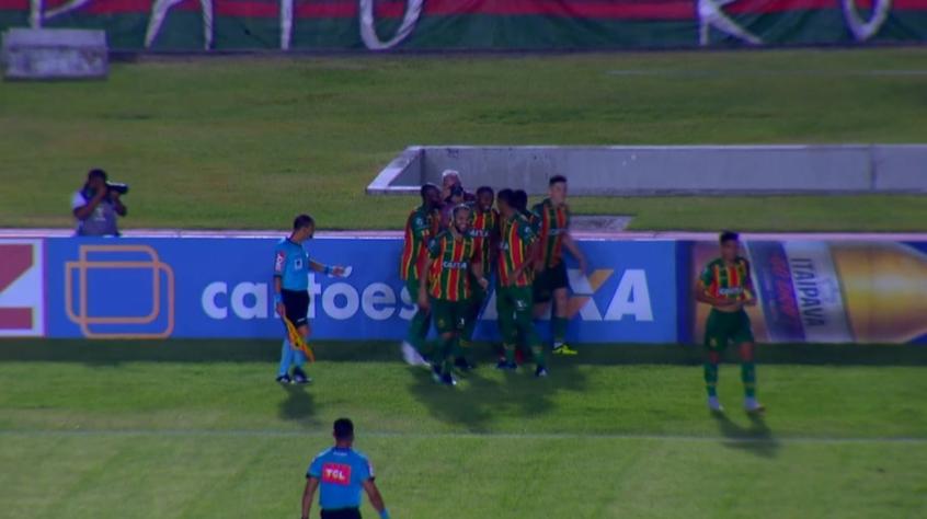 Sampaio Correa Com Lindo Gol Ganha Do Figueirense Em Sao Luis Lance