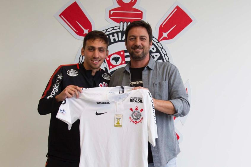 7d1d945f61 Corinthians anuncia contratação de atacante Gustavo Mosquito
