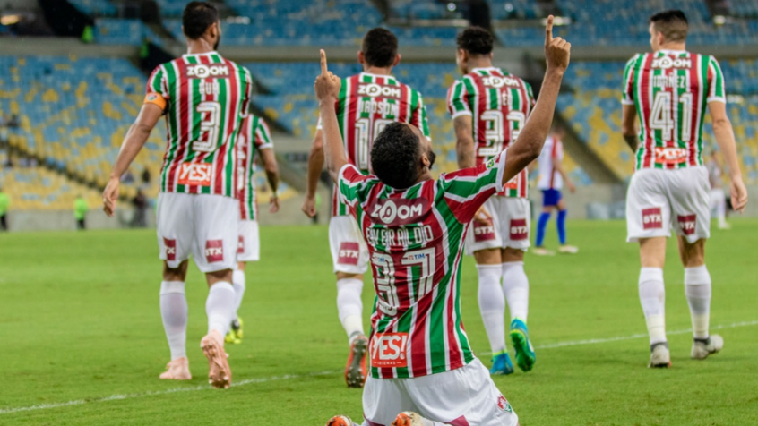 78bfd2dfacaaf Luciano e Everaldo comemoram boa fase após vitória do Fluminense ...