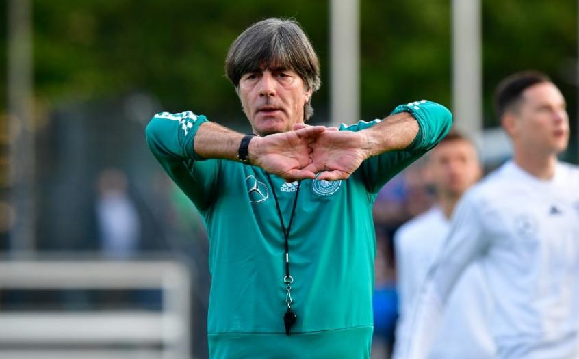 Joachim Löw tem contrato com a seleção da Alemanha até 2022 (Foto  TOBIAS  SCHWARZ   AFP) c51f2289d66f8
