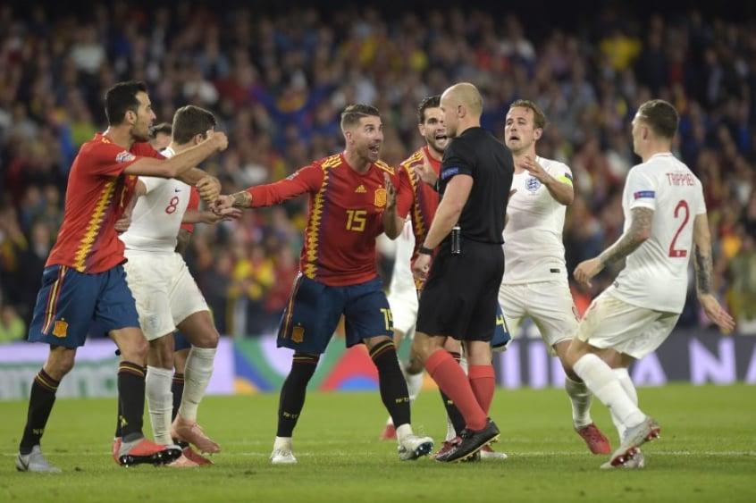 0dd9b51fc1 Zagueiros do Real Madrid vão mal em data Fifa e desempenho preocupa ...