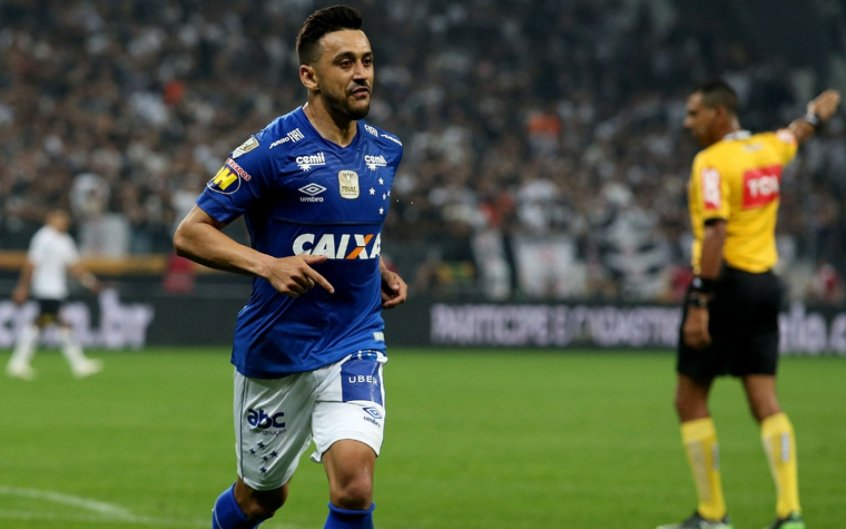 29fe22aa70 Robinho comemora título e a fama de carrasco do Corinthians