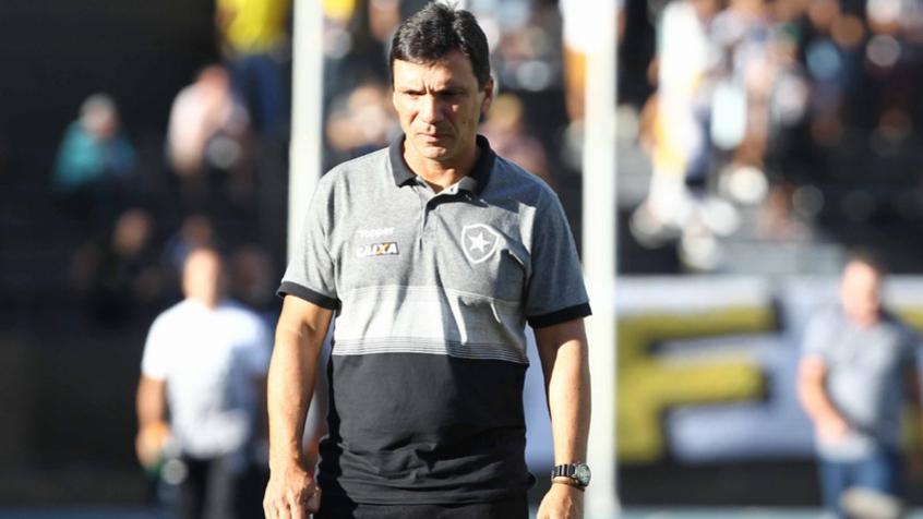 Zé defende os jogadores do Botafogo   Esse grupo não é sem-vergonha ... 45571548ba518