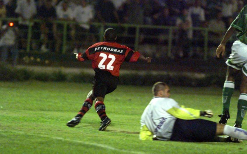 Relembre momentos históricos de Flamengo x Palmeiras
