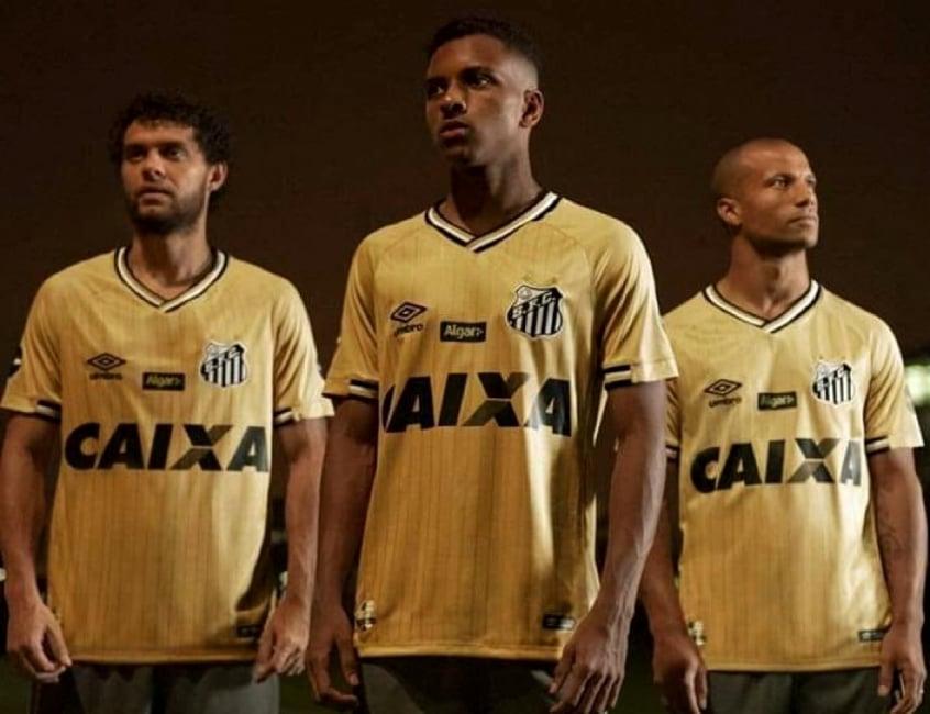 GLORIOSO SANTOS F.C.  Santos lança nova camisa dourada  estreia será ... a7bf906cf91b9
