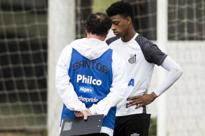 Bambu pode entrar em campo pela última vez representando o Santos contra o  Flu (Foto  Ivan Storti) 5b81320d9a854