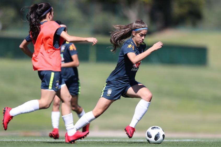 04917d2fe2 ... parcerias com universidades e clubes para criar o time. Seleção  Brasileira Feminina sub-17