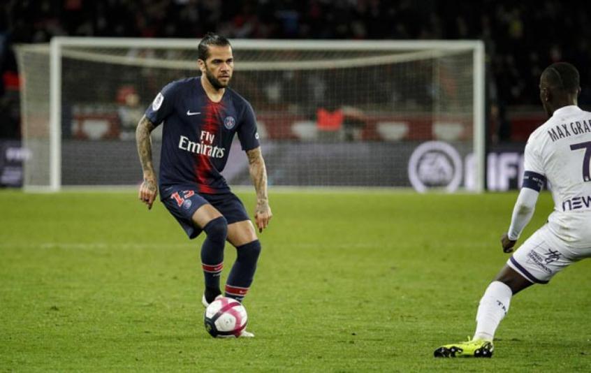 Daniel Alves - PSG x Toulouse