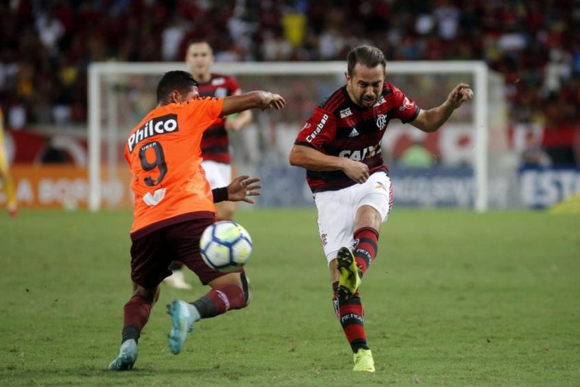 Everton Ribeiro x Atlético-PR