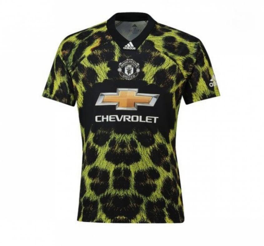 Nova camisa do Manchester United é reprovada pelos torcedores nas ... 4e976dd4e9849