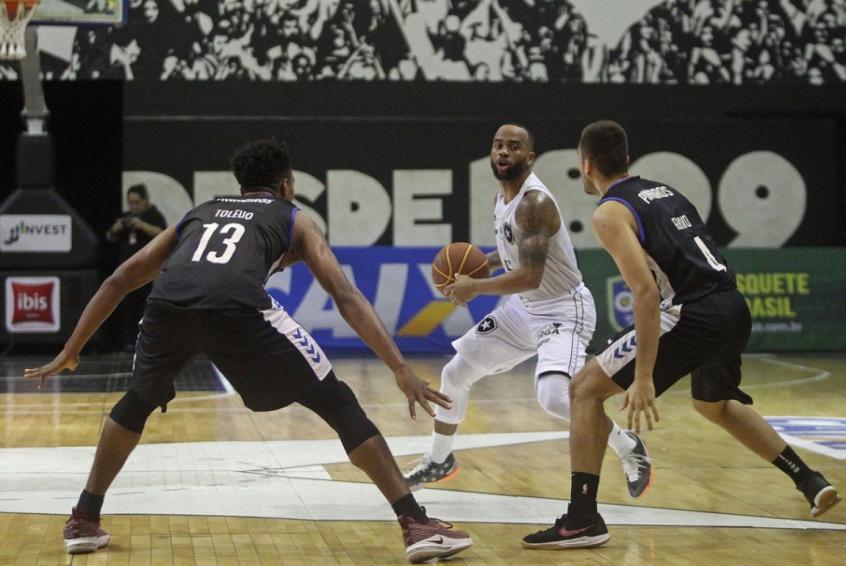42bf8e1f5c Botafogo enfrenta o último algoz pela Copa Super 8 com  lições ...