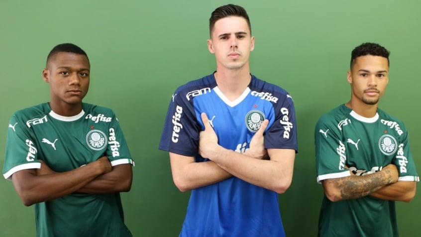 Garotos garantiram uma estreia com vitória para o novo uniforme do Palmeiras c12a17b548ff6