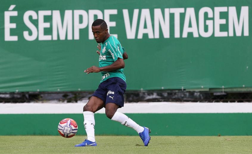 Palmeiras inscreve Moisés, Carlos Eduardo e seis garotos no Paulistão