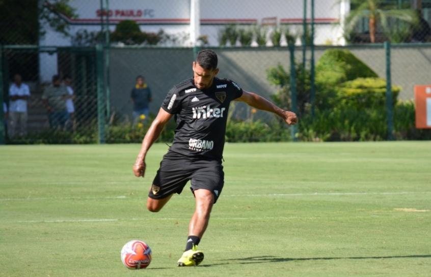 Diego Souza foi poupado da estreia do São Paulo no Paulistão