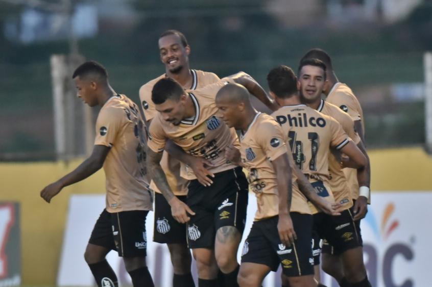 267166dafcd57 Santos joga o melhor futebol do Brasil e se põe como protagonista ...