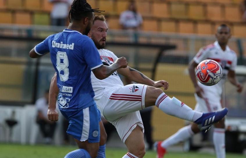 Willian Farias - São Paulo x São Bento. Willian Farias foi titular ... a4af5ae4e60f9