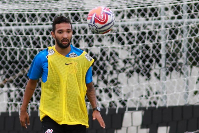 Clayson em treino do Corinthians neste ano (Foto  Ricardo  Moreira Fotoarena Lancepress!) 15fa56b29df0c