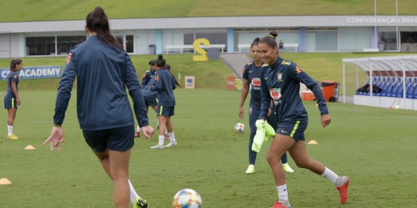 Seleção Feminina encerra etapa de treinos na Granja e segue para Itu ... 2181ce8fd24c2