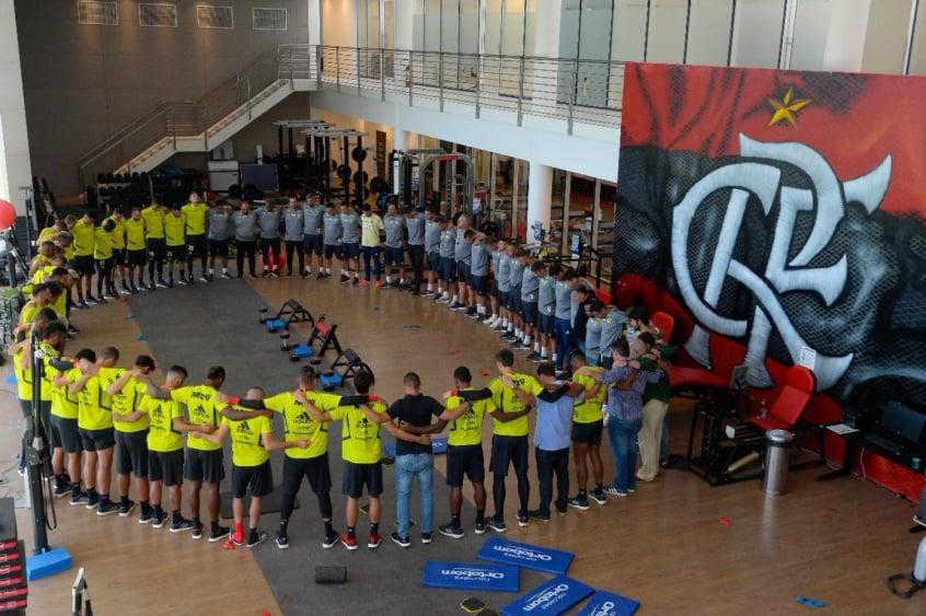 #Nossos10: Flamengo volta aos gramados para honrar sonhos das jovens vítimas