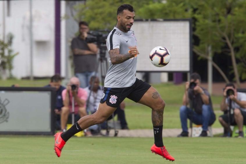 """Michel Macedo comenta sobre clássico contra o Santos: """"Vamos dar a vida em campo"""""""