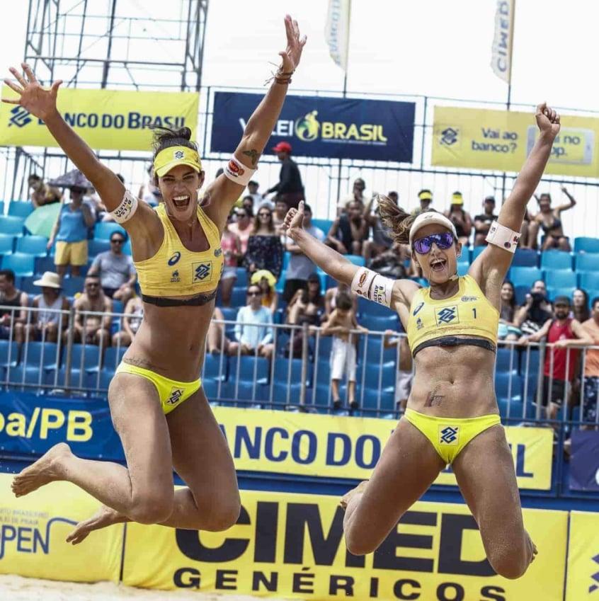 Comemoração de Fernanda Berti e Bárbara Seixas