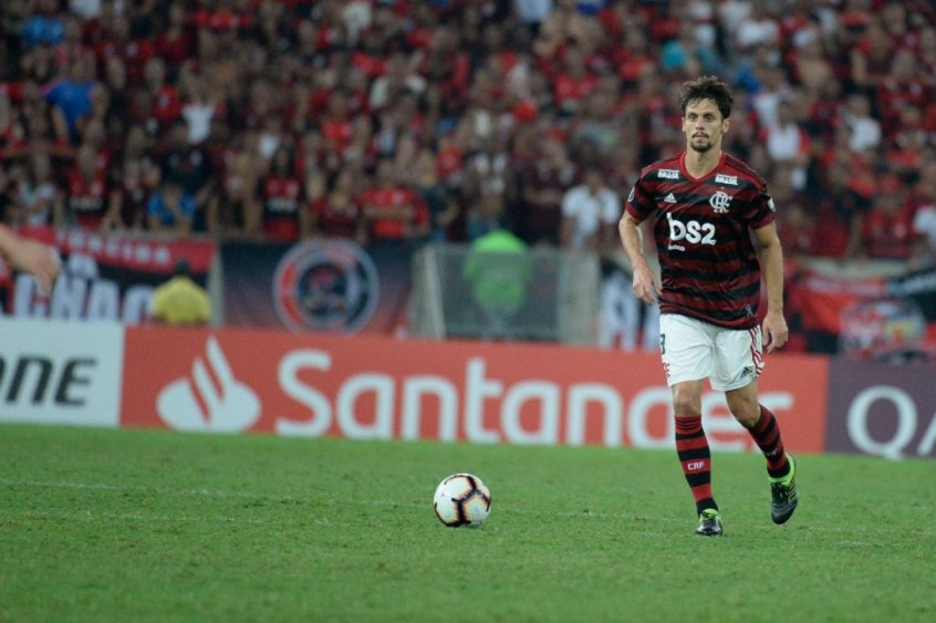 Elenco se fecha para não deixar euforia contagiar o Flamengo na final
