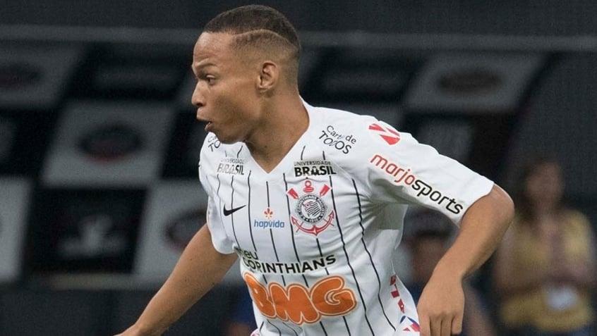 Carille esboça o time que vai enfrentar o Fluminense; confira a escalação