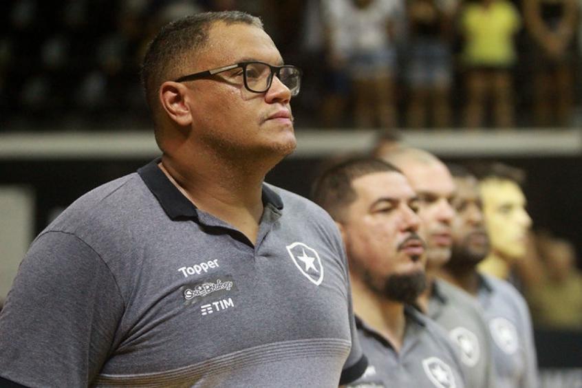 NBB - Botafogo x Flamengo - Léo Figueiró