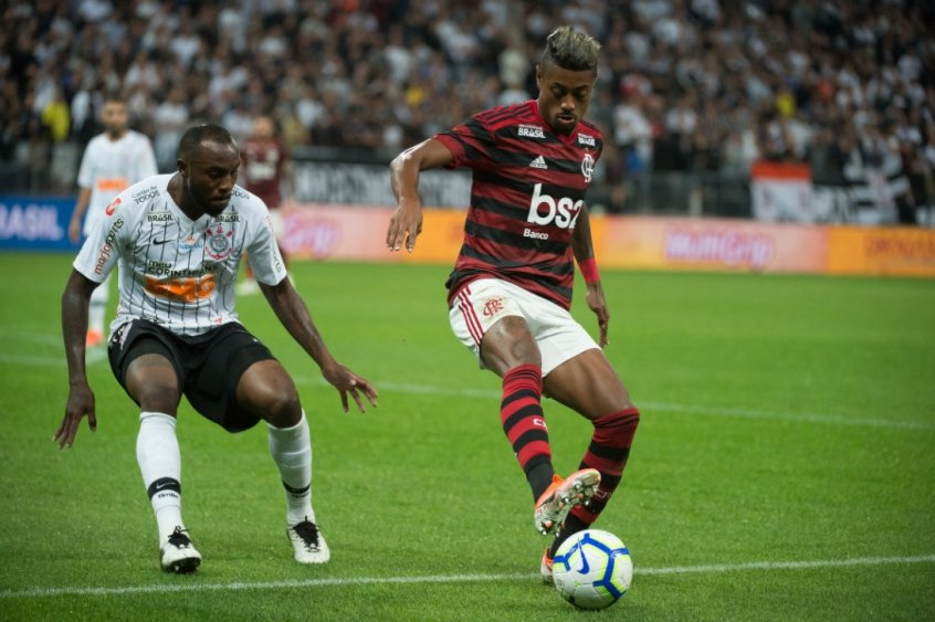 Corinthians x Flamengo Vagner Love e Bruno Henrique