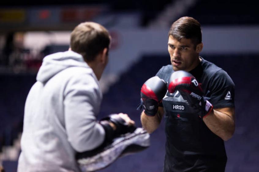 Em grande fase, brasileiro 'ignora' pressão antes do UFC Rochester; veja